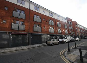 Thumbnail 3 bed flat to rent in Waterson Street, London