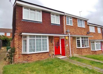 Thumbnail 3 bedroom property for sale in Acorn Walk, Calcot, Reading