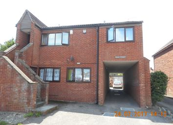 Thumbnail 2 bed flat to rent in Sunningdale Road, Yeovil