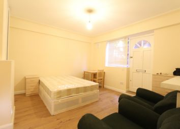 Thumbnail Studio to rent in Westbury Court, Clapham