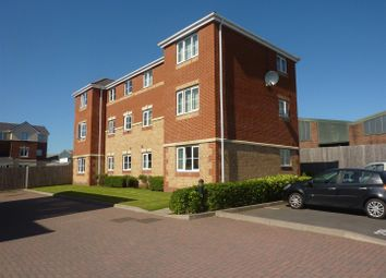 2 bed flat to rent in Thornbury Road, Walsall WS2