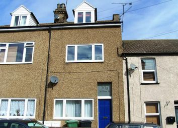 Thumbnail 2 bed flat to rent in William Street, Grays