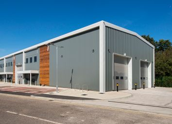 Thumbnail Industrial to let in Chiltonian Industrial Estate, Manor Lane, London