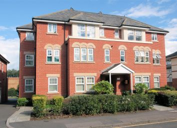 Thumbnail 2 bedroom flat for sale in Claremont Avenue, Woking