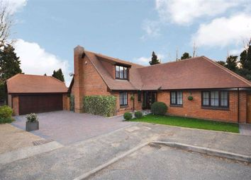 Dingle Close, Arkley, Hertfordshire EN5. 4 bed detached house