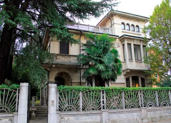 Thumbnail 3 bed villa for sale in Via Carlo Cattaneo 37, Legnano, Milan, Lombardy, Italy