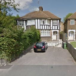 Thumbnail 3 bed semi-detached house to rent in Crescent Road, Luton