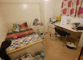 Thumbnail 4 bed flat to rent in Estcourt Terrace, Headingley, Leeds