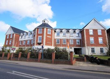 Crown Hill, Rayleigh SS6. 2 bed flat for sale