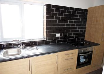 Thumbnail 3 bed flat to rent in Newark Road, Lincoln