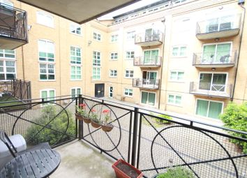 Thumbnail 1 bed flat to rent in Western Gateway, Canning Town
