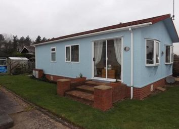 Thumbnail 2 bed mobile/park home for sale in Doverdale Park Homes, Hampton Lovett, Droitwich, Worcestershire