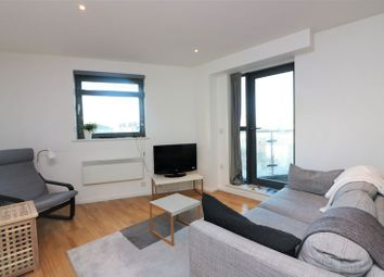 Thumbnail 1 bed flat to rent in Ikon House, Wapping