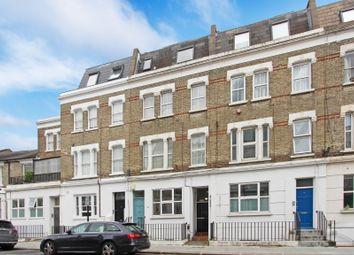Boscombe Road, London W12. 2 bed maisonette