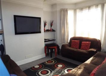 Thumbnail 3 bedroom town house to rent in Ashburnham Road, Luton, Bedfordshire