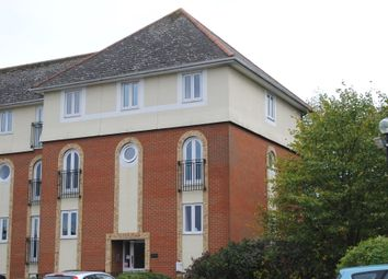 Thumbnail Studio to rent in Walsingham Close, Hatfield