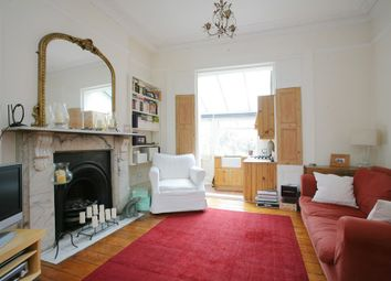 Thumbnail 1 bed flat to rent in Grafton Square, Clapham