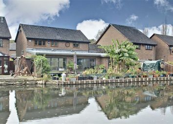 Thumbnail 4 bed detached house for sale in Kings Meadow, Kings Langley