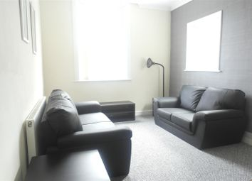 Thumbnail 2 bed flat to rent in Worthing Street, Hull