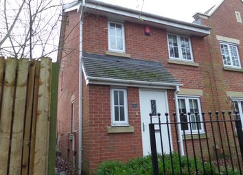 Thumbnail 3 bed town house for sale in The Avenue, Gainsborough