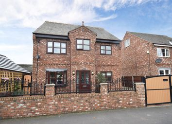 Thumbnail 5 bed detached house for sale in Kimberley Street, Featherstone, Pontefract