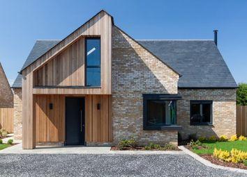 Handpost Farm, Bracknell Road, Warfield, Berkshire RG42. 4 bed detached house