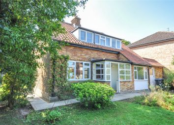 Bishops Avenue, Bishop's Stortford, Hertfordshire CM23. 3 bed detached house