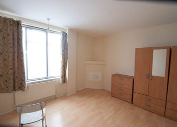 Thumbnail 2 bedroom flat to rent in Beverley Mansions, Hounslow