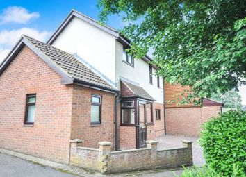 Thumbnail 3 bed semi-detached house for sale in Whitecroft, Swanley, Kent