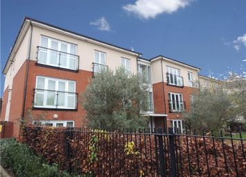Thumbnail 2 bed flat to rent in Kendra Hall Road, South Croydon
