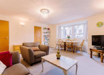Thumbnail 1 bedroom flat for sale in Tollington Park, London