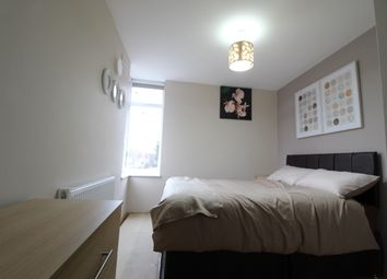 Thumbnail 5 bedroom property to rent in Meadvale Road, Croydon