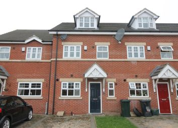 Thumbnail 3 bed town house to rent in Station Court, Thorne, Doncaster