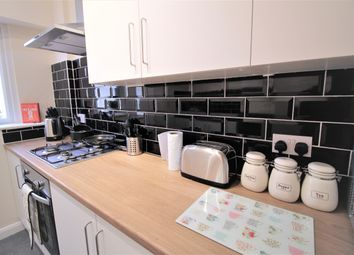 Thumbnail 5 bed shared accommodation to rent in Burntwood Drive, South Kirkby