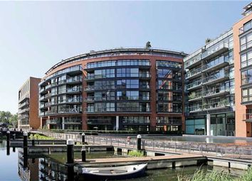 Thumbnail 2 bed flat to rent in Gatliff Road, London