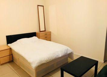 Thumbnail 4 bed flat to rent in Brady Street, London
