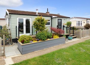 Thumbnail 2 bed mobile/park home for sale in Kingsmead, Thornlea Park, Wick, Littlehampton