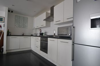 Thumbnail 3 bed flat to rent in Colonsay View, Edinburgh