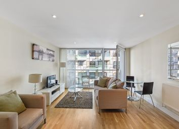 1 bed flat to rent in Cobalt Point, Lanterns Court E14