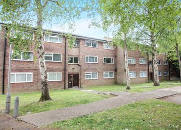 Thumbnail 2 bedroom flat for sale in Aysgarth Close, Harpenden