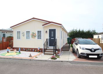 2 bed mobile/park home for sale in Lugano Avenue, Martlesham Heath, Ipswich IP5