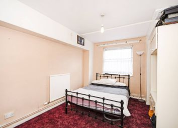 Thumbnail 3 bed maisonette for sale in Broke Walk, London Fields