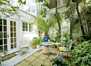 Thumbnail 2 bed maisonette for sale in Acton Street, London