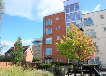 Thumbnail 1 bed flat for sale in Caversham Road, Reading