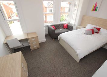 Room to rent in Priory Avenue, Reading RG4