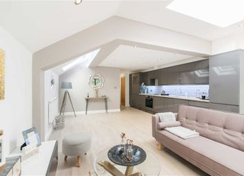 Thumbnail 2 bedroom flat for sale in Leythe Road, Acton, London