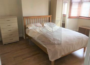 Thumbnail Room to rent in Rowantree Close, Winchmore Hill