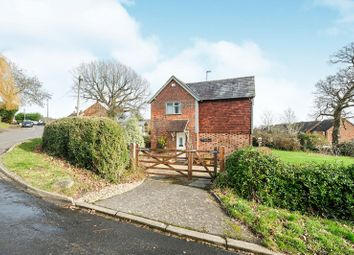 Thumbnail 4 bedroom detached house to rent in Mount Pleasant, Weald, Sevenoaks