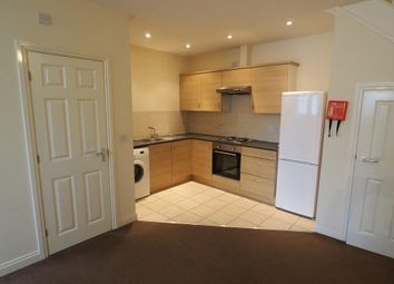 2 bed flat to rent in Grosvenor Street, Hull HU3