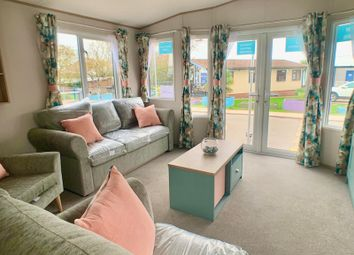 2 bed mobile/park home for sale in Bell Farm Lane, Minster On Sea, Sheerness ME12